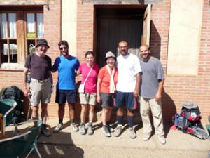 Abschied von den griechischen Freunden in Bercianos del Real Camino