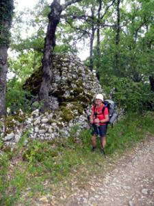 Maria vor einer Cazelle (steinerne Schäferhütte)