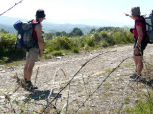 Erster Blick auf die Pyrenäen - unterwegs zur Chapelle de Soyarce